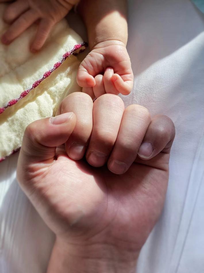 Yi Long lên chức bố và sắp kết hôn, danh tính người vợ còn bí ẩn - Ảnh 3.