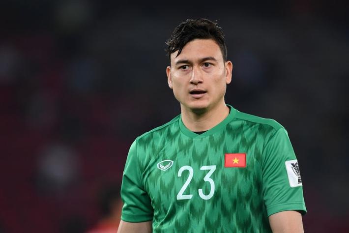 Malaysia chơi lớn, biệt phái 15 cầu thủ đến đội bóng của Đặng Văn Lâm - Ảnh 2.