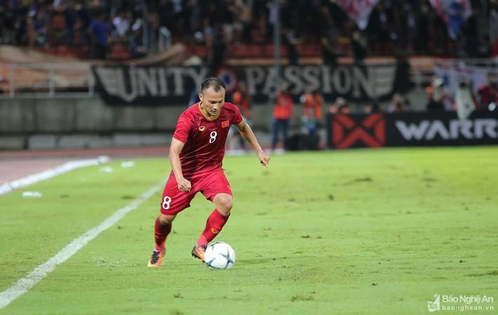 Tái đấu Indonesia tại Vòng loại World Cup 2022: Ai thay Trọng Hoàng, Văn Hậu? - Ảnh 1.