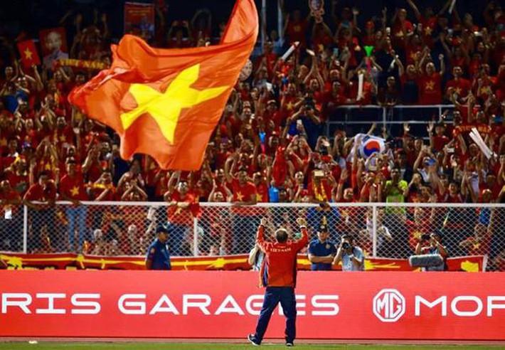 Trước nguy cơ đáng lo, bóng đá Việt có gì để giữ chân thầy Park? - Ảnh 3.