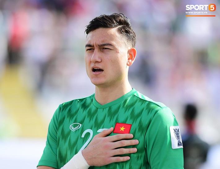 Văn Lâm khiến HLV Park Hang-seo đau đầu trước vòng loại World Cup 2022 - Ảnh 2.