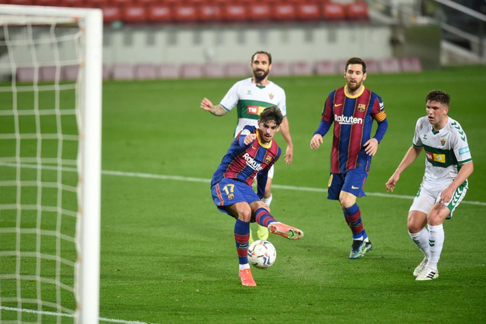 Messi tỏa sáng giúp Barca gỡ thế bế tắc trước đội áp chót La Liga - Ảnh 5.