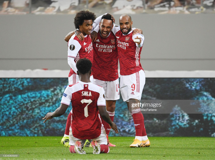 Man United át vía thánh đá penalty; Arsenal giành vé bằng màn lội ngược dòng nghẹt thở - Ảnh 4.