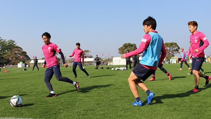 Cerezo Osaka thừa nhận tình thế không có cách giải quyết, Đặng Văn Lâm gặp khó khăn lớn - Ảnh 1.