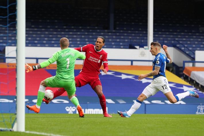 Hồi phục chậm hơn dự kiến, Van Dijk chính thức nghỉ thi đấu hết mùa  - Ảnh 1.