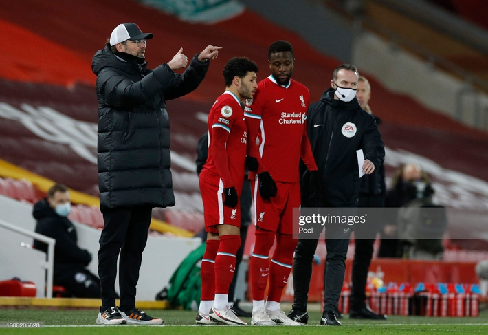 Thua sốc trên sân nhà, Liverpool tự đóng cửa tranh ngôi vương với thành Manchester - Ảnh 3.