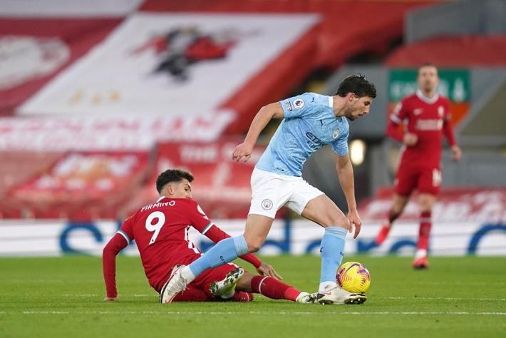 Thủ môn 2 lần tặng bàn thắng cho đối thủ, Liverpool thua tan nát trước Pep Guardiola - Ảnh 1.