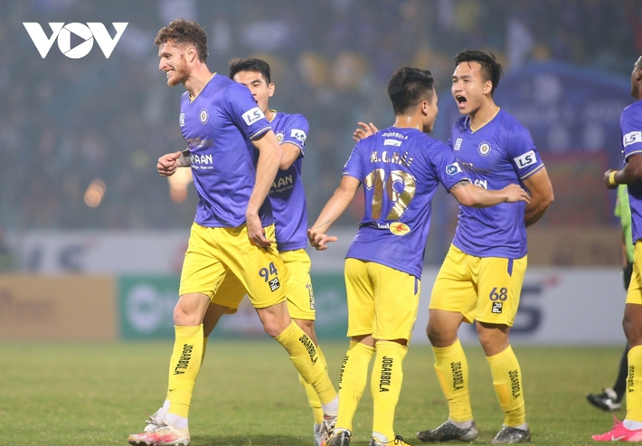 V-League trở lại: Hà Nội FC và HAGL rủ nhau giải mã ngựa ô? - Ảnh 2.