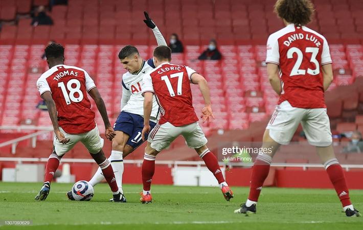 Man United được cường địch tặng cho 3 điểm; Mourinho nhận trái đắng từ cậu học trò nghệ sĩ - Ảnh 4.