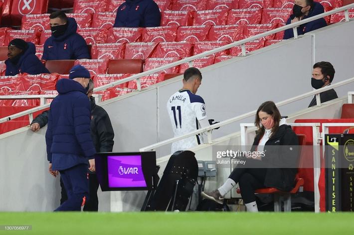 Man United được cường địch tặng cho 3 điểm; Mourinho nhận trái đắng từ cậu học trò nghệ sĩ - Ảnh 7.