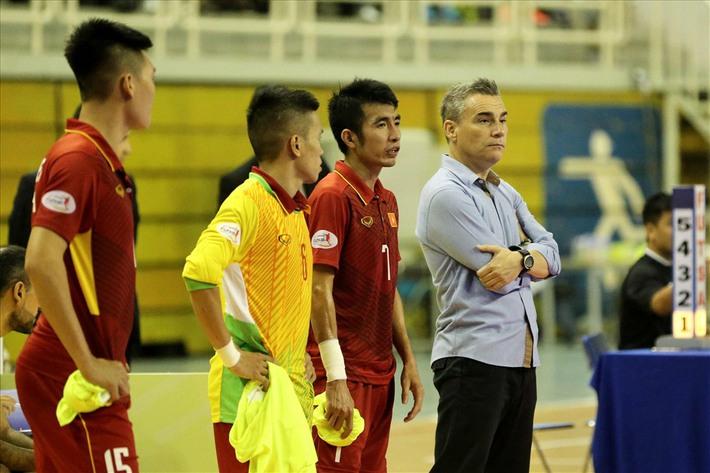 [Hồi ức] Sau chiến thắng 24-0, ĐT Việt Nam nhận cái kết cay đắng tại giải đấu trên sân nhà - Ảnh 2.