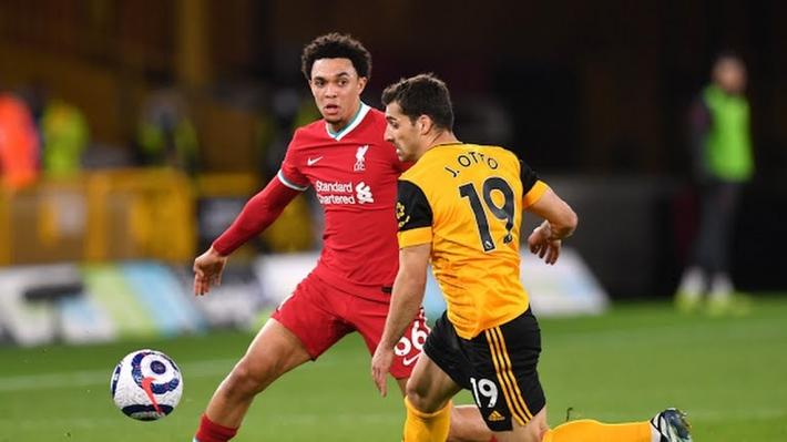 Đánh bại Wolves, Liverpool kém tốp 4 đúng 5 điểm - Ảnh 1.