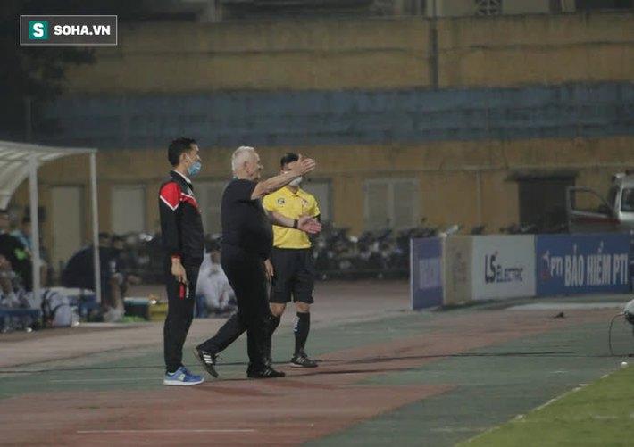 HLV từng vô địch C1 châu Âu: Tôi thua Hà Nội FC vì lý do sốc chưa từng gặp trong sự nghiệp - Ảnh 2.