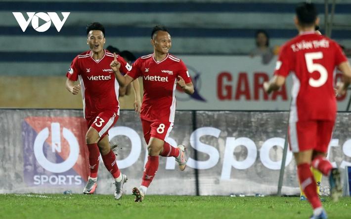 Sau vòng 4 V-League 2021: Nụ cười Lee Nguyễn và sự tiếc nuối của HAGL - Ảnh 3.