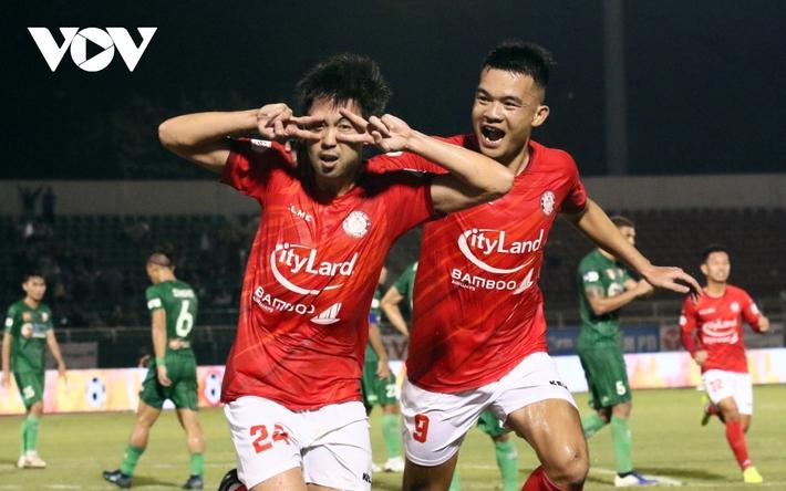 Sau vòng 4 V-League 2021: Nụ cười Lee Nguyễn và sự tiếc nuối của HAGL - Ảnh 4.