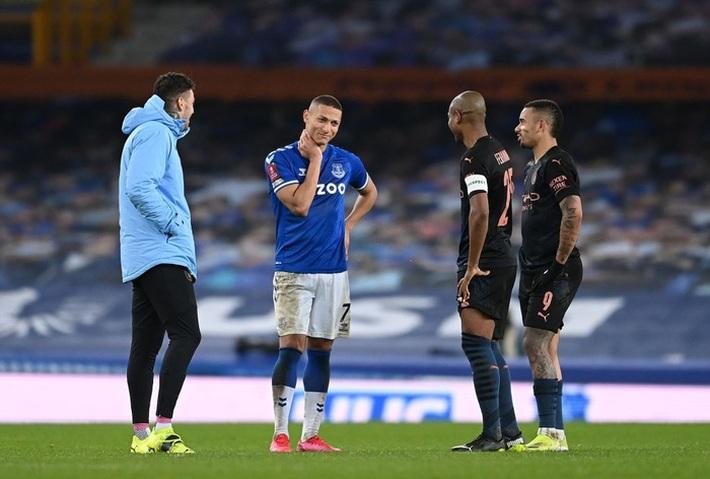 6 phút cuối ghi 2 bàn, Man City hạ Everton để giành vé bán kết FA Cup - Ảnh 12.