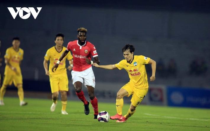 Sau vòng 4 V-League 2021: Nụ cười Lee Nguyễn và sự tiếc nuối của HAGL - Ảnh 5.