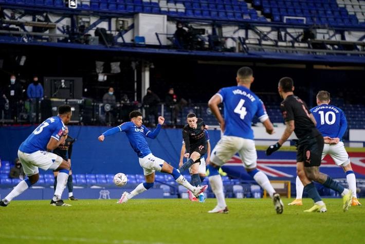 6 phút cuối ghi 2 bàn, Man City hạ Everton để giành vé bán kết FA Cup - Ảnh 7.