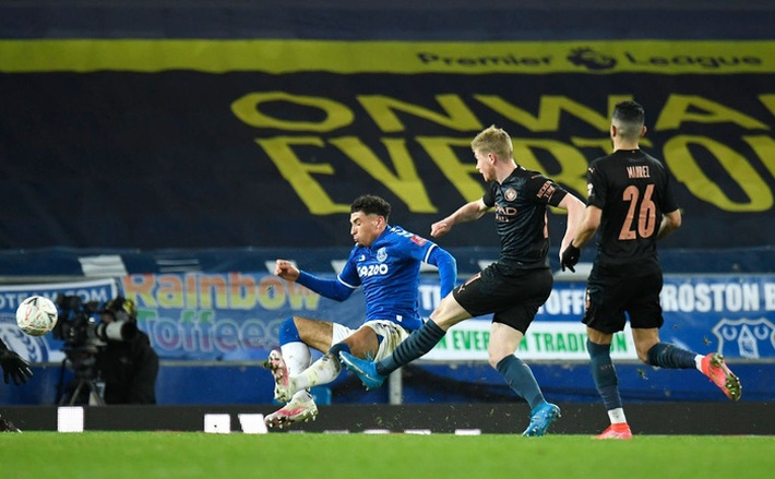 6 phút cuối ghi 2 bàn, Man City hạ Everton để giành vé bán kết FA Cup - Ảnh 10.
