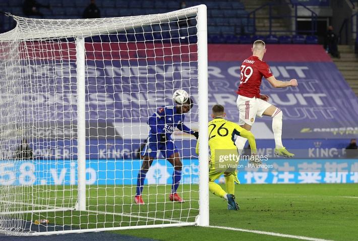 Dàn cận vệ thép thi nhau báo hại, mộng vô địch của Man United tan nát trước Leicester - Ảnh 5.