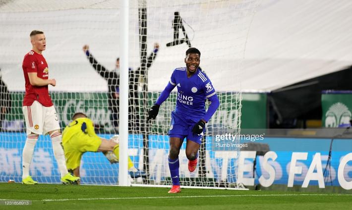 Dàn cận vệ thép thi nhau báo hại, mộng vô địch của Man United tan nát trước Leicester - Ảnh 6.