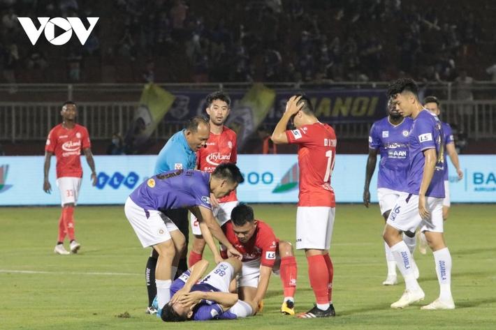Đừng để giấc mơ của bóng đá Việt Nam chết trong bạo lực - Ảnh 1.
