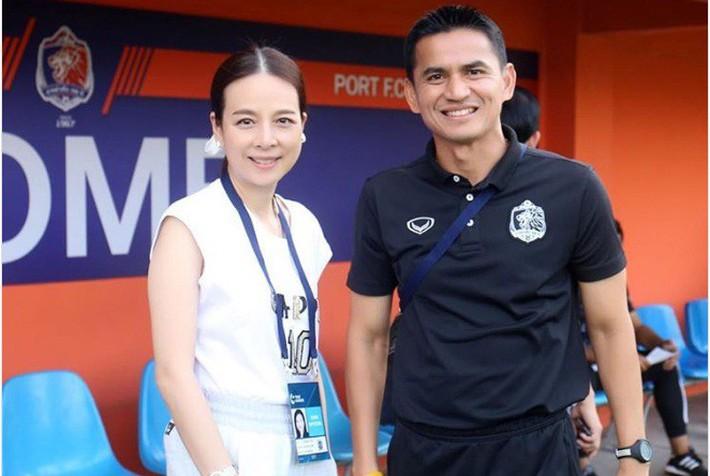HLV Kiatisuk thất bại ở Thai League, nhưng về HAGL lại thăng hoa cũng là nhờ ơn bầu Đức - Ảnh 2.
