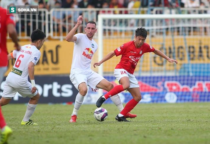 Che mờ Lee Nguyễn, Công Phượng-Văn Toàn đem về trận đại thắng, mở ra cơ hội vô địch cho HAGL - Ảnh 2.