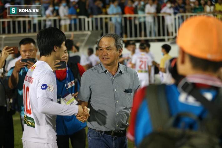 Bầu Đức so sánh HAGL với CLB Hà Nội, tiết lộ tình trạng của Lee Nguyễn - Ảnh 1.