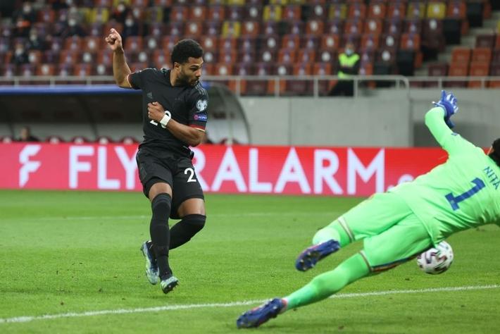 Tuyển Đức thắng dễ nhưng ngạc nhiên hơn cả là đội bóng chia sẻ ngôi đầu bảng với Die Mannschaft - Ảnh 2.