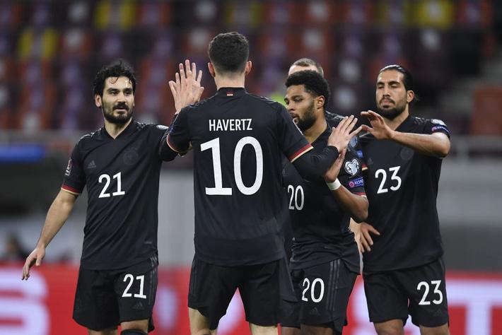 Tuyển Đức thắng dễ nhưng ngạc nhiên hơn cả là đội bóng chia sẻ ngôi đầu bảng với Die Mannschaft - Ảnh 3.