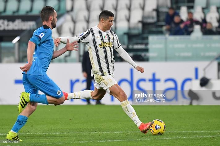Ronaldo dằn mặt Lukaku bằng siêu kỷ lục; Pep Guardiola hả hê hoàn tất màn báo thù - Ảnh 1.