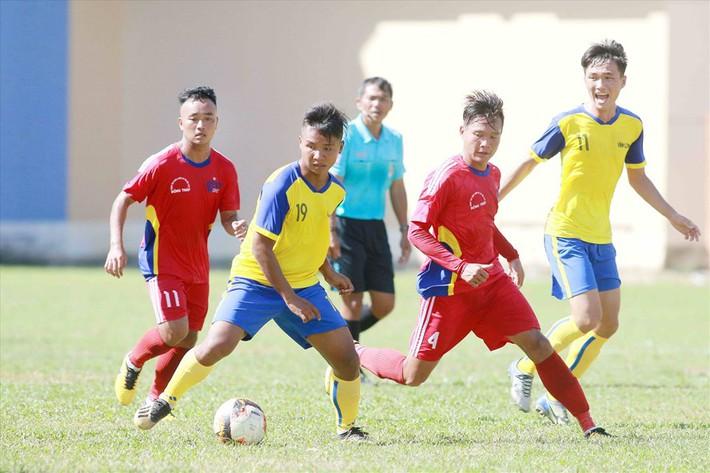 Tờ báo Anh đưa bóng đá Việt Nam vào danh sách đen, cảnh báo về nguy cơ dàn xếp tỉ số - Ảnh 1.
