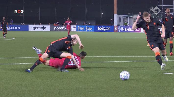 Cựu sao MU dính chấn thương khủng khiếp trong trận Hà Lan thắng đậm Gibraltar - Ảnh 3.