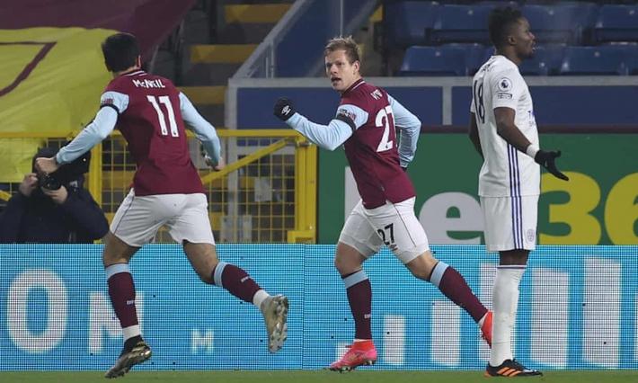 Đội bóng đua trụ hạng giúp MU giữ vững ngôi nhì Premier League - Ảnh 1.
