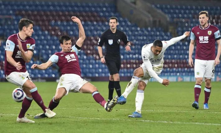 Đội bóng đua trụ hạng giúp MU giữ vững ngôi nhì Premier League - Ảnh 6.