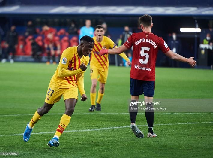Messi kiến tạo điệu nghệ, giữ Barca trên đường đua vô địch; Man United mất ngôi nhì bảng - Ảnh 2.