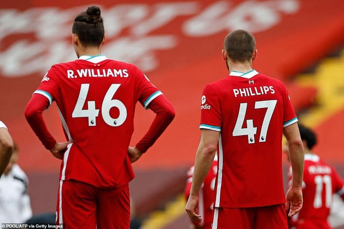 Anfield vẫn chìm trong ác mộng, Liverpool đá không thể hiểu nổi trước đội cầm đèn đỏ - Ảnh 4.