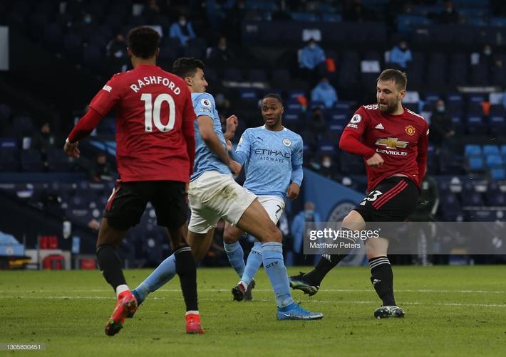 Man United bắn hạ Man City bằng 2 tuyệt chiêu; Tottenham hồi sinh ngoạn mục với Bale - Ảnh 3.