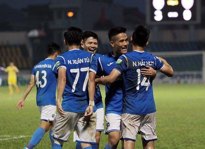 Chủ tịch CLB Quảng Ninh ứng trước tiền tỷ, các cầu thủ chấp nhận rút lại quyết định bỏ giải - Ảnh 1.