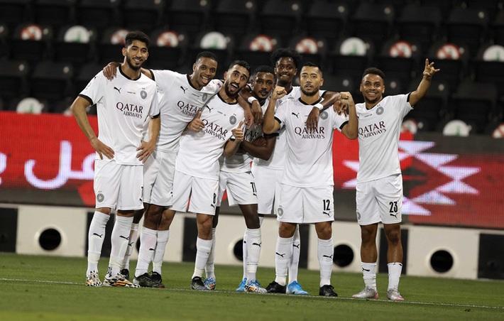 Huyền thoại Xavi vô địch Qatar với kỳ tích bất bại cả mùa - Ảnh 2.