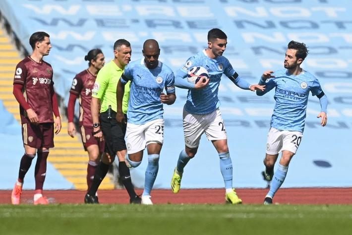 Man City 1-2 Leeds Utd: Ngả mũ trước Marcelo Bielsa - Ảnh 5.