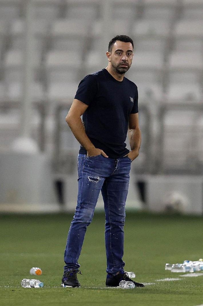 Huyền thoại Xavi vô địch Qatar với kỳ tích bất bại cả mùa - Ảnh 6.