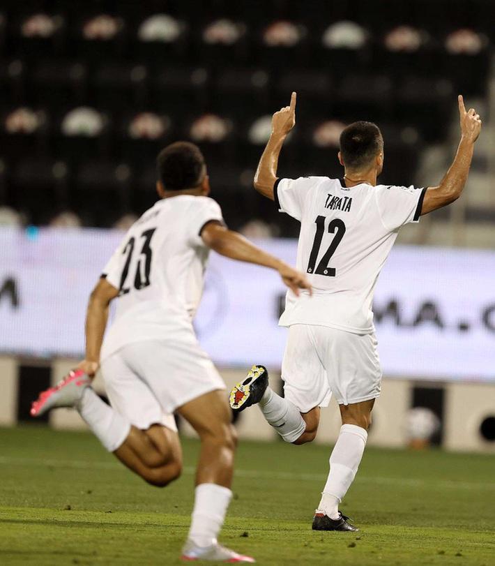 Huyền thoại Xavi vô địch Qatar với kỳ tích bất bại cả mùa - Ảnh 8.