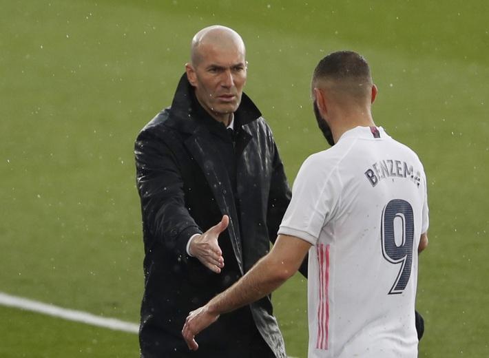 BÌNH LUẬN: Bài học 17 năm của Zidane - Ảnh 1.