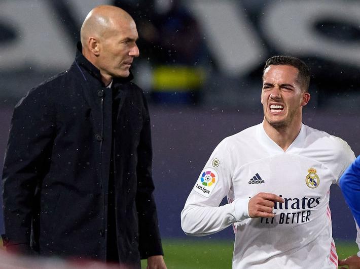 BÌNH LUẬN: Bài học 17 năm của Zidane - Ảnh 4.