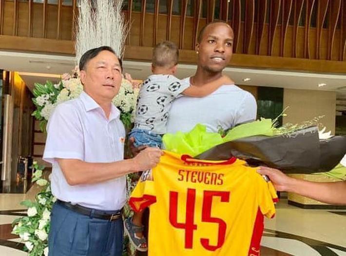Ngoại binh làm 2 CLB V.League mất tiền tỷ nói điều bất ngờ, tiết lộ món quà từ Xuân Trường - Ảnh 2.