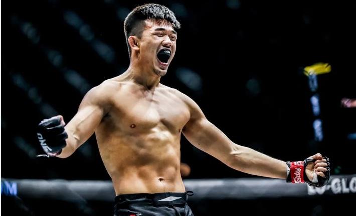 Từng 2 lần thua đau cao thủ gốc Việt, võ sĩ Trung Quốc tạo kịch bản khiến tất cả ngỡ ngàng - Ảnh 2.