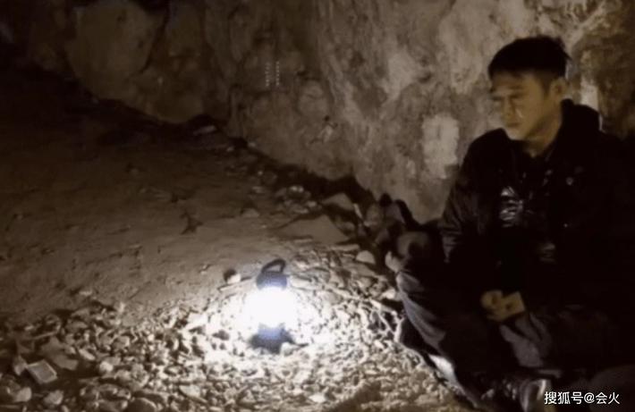 Hiện tại của Lý Liên Kiệt: Sống cô đơn, hàng ngày ngồi thiền trong hang, cơ thể tiều tụy - Ảnh 2.