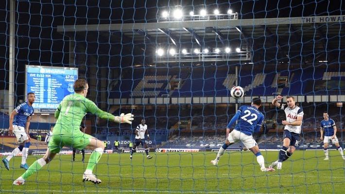Harry Kane lập cú đúp, Tottenham thoát thua trước Everton - Ảnh 2.